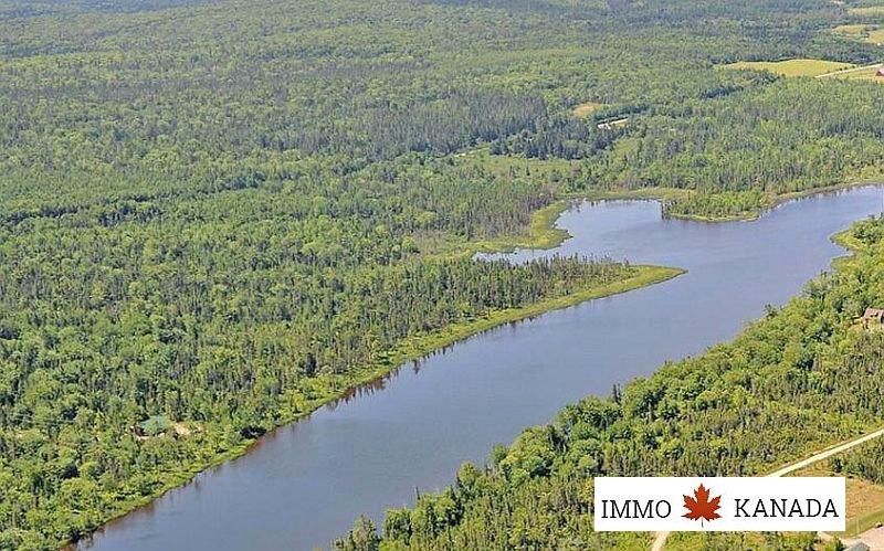 ca. 67.000 m² großes Seegrundstück mit 3 Bauplätzen / Inverness County / Cape Breton / Nova Scotia / EUR 79.000