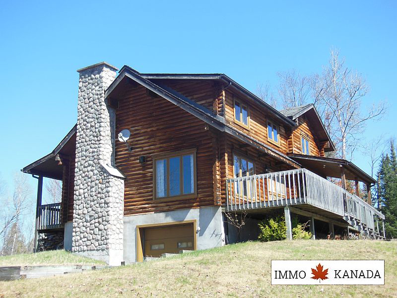 Tolles Blockhaus am See mit ca. 12.600 m², Großraum Ottawa/Montreal / EUR 285.000