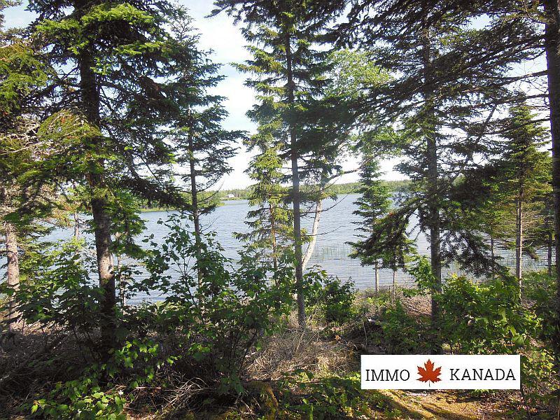 Herrliches Ufergrundstück am Mac Millan Lake, Cape Breton, EUR 65.000