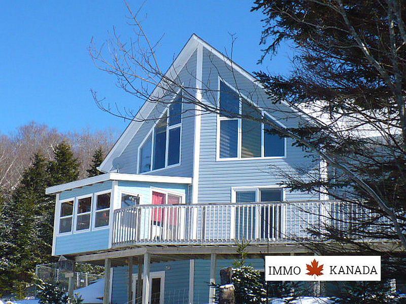 Eine tolle Existenzgrundlage - Großes Wohnhaus mit vier Cottages am weltberühmten Bras d`Or Lake auf Cape Breton / ca. 10 Hektar mit gesichertem Zugang zu einem Privatstrand