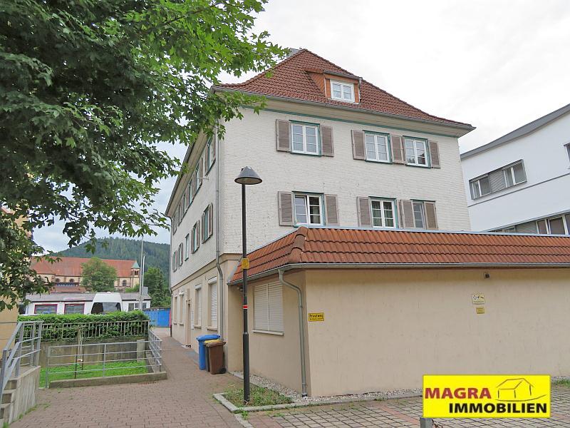 Schramberg - Schicke 2-Zimmer-Dach-Wohnung