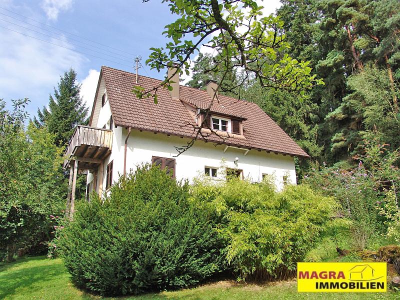 Eschbronn - Geräumiges Wohnhaus am Waldrand