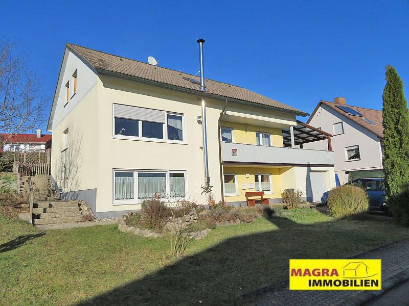 Schramberg-Waldmössingen / Viel Platz auch für die große Familie! Einfamilienhaus mit Einliegerwohnung