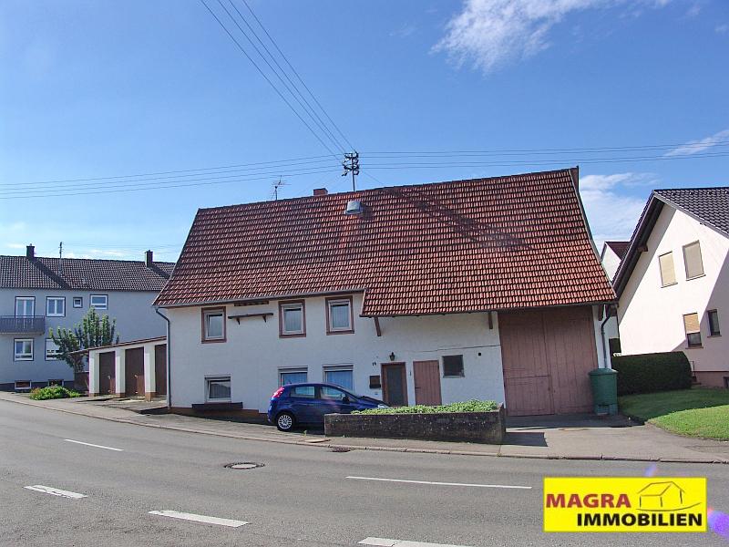 Rosenfeld-Leidringen / Ehemaliges Bauernhaus mit Ökonomieteil und Garage