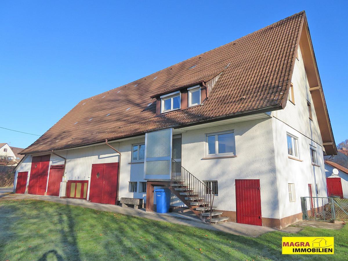 Eschbronn / Ehemaliges Bauernhaus mit herrlich großem Grundstück