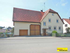Wellendingen-Wilflingen / Einfamilienhaus mit Ökonomieteil